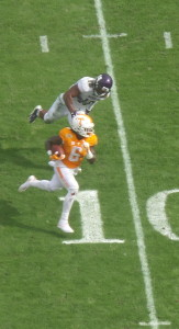 Alvin Kamara scores from the 11 late in the first half.