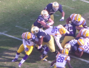 Would consistent blocking like this demonstrated by Notre Dame OT Ronnie Stanley be worth enough to win a Heisman ? Not under today's selection process.