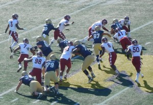 Temple's defense looked well prepared to stop QB Bill Worth (15) to shut down Navy's triple option right from the start.